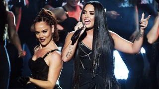 Sorry Not Sorry (Live From The 2017 American Music Awards) - Demi Lovato