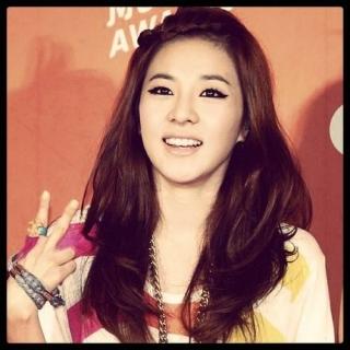 Dara (2NE1)