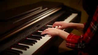 Chiếc Khăn Gió Ấm (Piano Cover) - An Coong