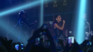 Focus (Live At The iHeartRadio Theater LA) - Ariana Grande