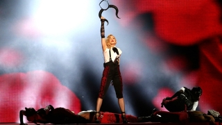 Living For Love (BRIT Awards 2015) - Madonna