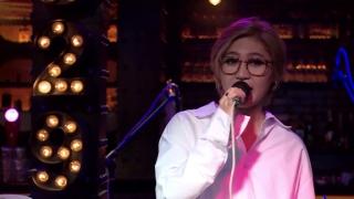 Việt Nam Những Chuyến Đi (Live) - Vicky Nhung