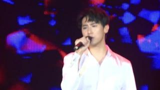 Eyes Nose Lips (Live) - Rocker Nguyễn