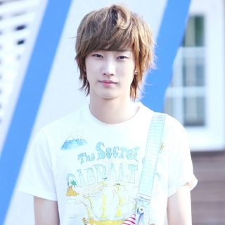 Jin Young (B1A4)