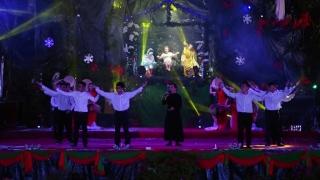 Trong Hang Đá Nhỏ - Quang Lâm
