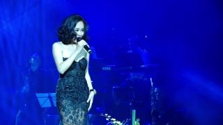 Như Chưa Bắt Đầu (Live Concert) - Hoàng Quyên