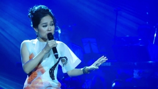Ru Đời Đi Nhé (Live Concert) - Hoàng Quyên