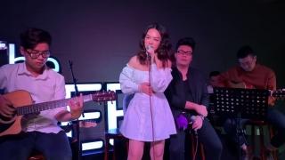 Gửi Em Của Quá Khứ (Live) - Phạm Quỳnh Anh