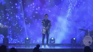 Hãy Về Đây Bên Anh (Liveshow) - Quang Hà