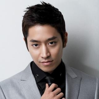 Eric Mun (Shinhwa)