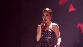 Sao Chẳng Về Với Em (Liveshow) - Uyên Linh