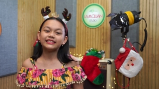 Santa Claus Is Coming Town (Song Ngữ) - Bé Bào Ngư