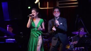 Vầng Trăng Cô Đơn (Live) - Ngọc Sơn, Khánh Trân