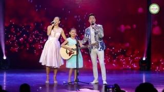 Gia Đình Nhỏ Hạnh Phúc To (Live) - Bé Bào Ngư, Nhật Tinh Anh, Khánh Ngọc