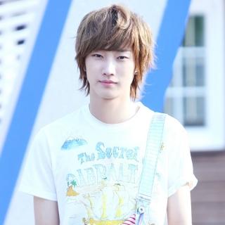 Jin Young (B1A4)